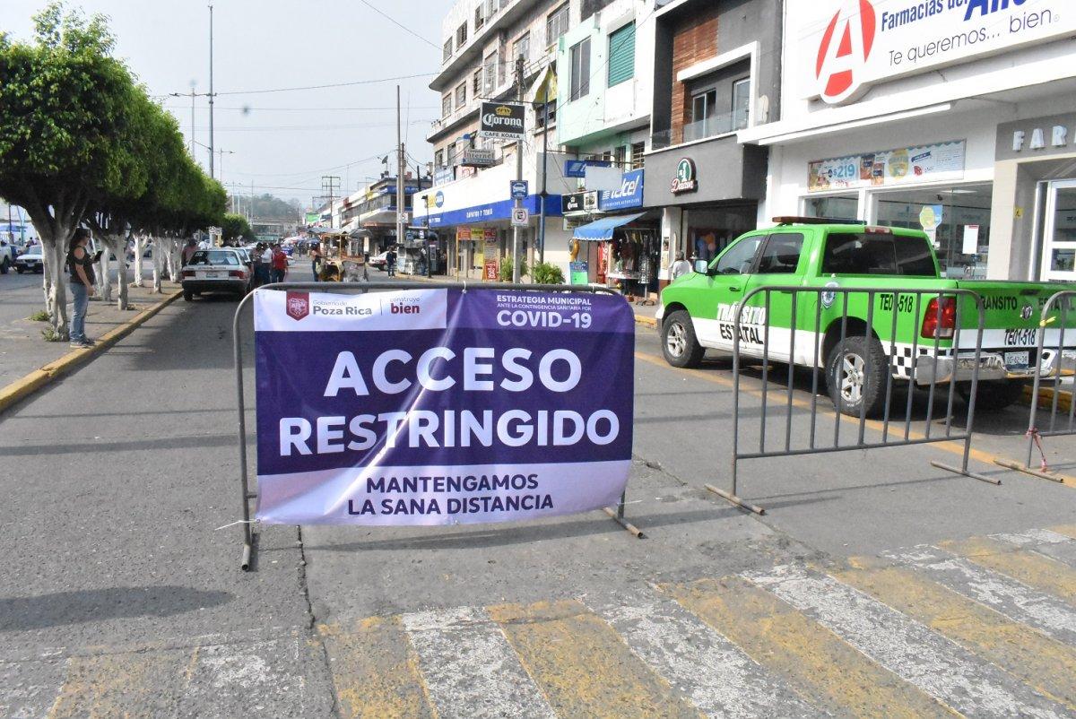 Comerciantes de Poza Rica ¡PIDEN RETIREN CERCO DEL CENTRO!
