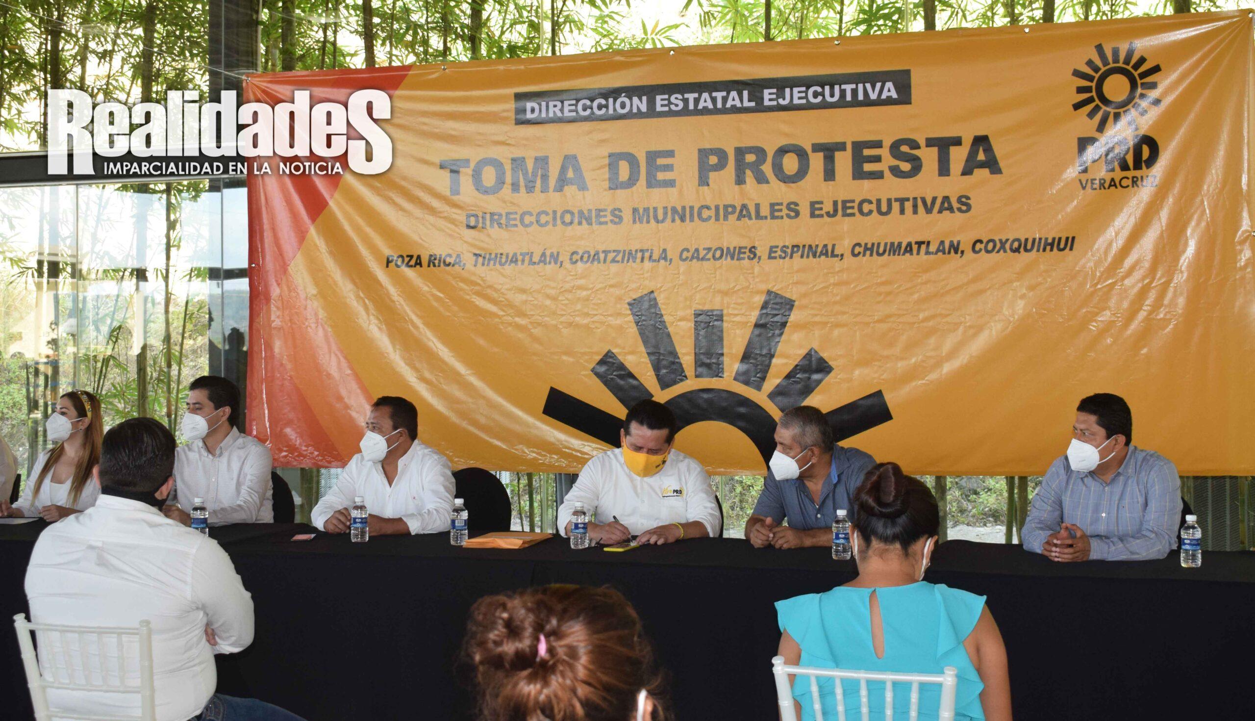 Renueva comité municipal el PRD en Coatzintla