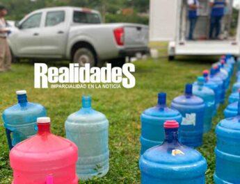 Gobierno de Álamo, entrega agua potable por medio de planta potabilizadora portátil.